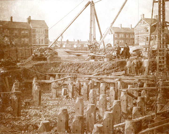 Construction of the West bank cable anchorage in 1902