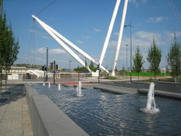 Image of the fountains on Newport's Usk Way